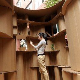 """重庆大学生用纸板造""""小窝"""""""